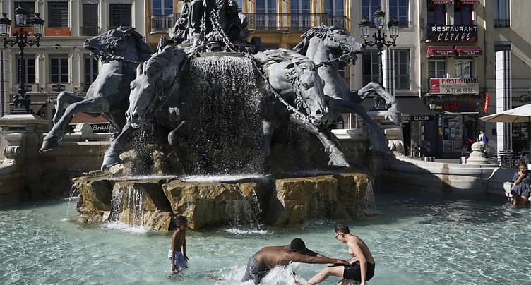 Une chaleur étouffante s'abat à nouveau sur la France