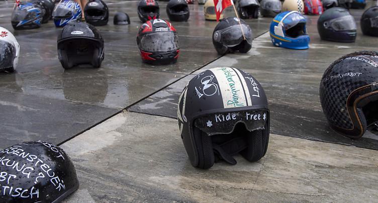 Gothard: 200 motards protestent contre les nouvelles règles