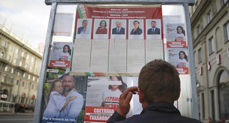 Bélarus: l'inamovible Loukachenko face à une opposante surprise
