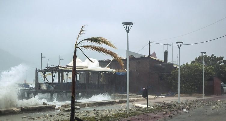 Ouragan en Grèce: deux morts et une disparue