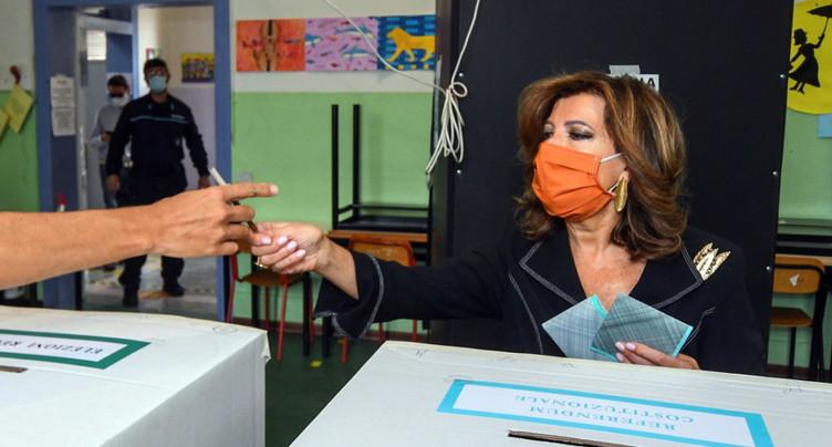 Les Italiens appelés aux urnes malgré la progression du coronavirus