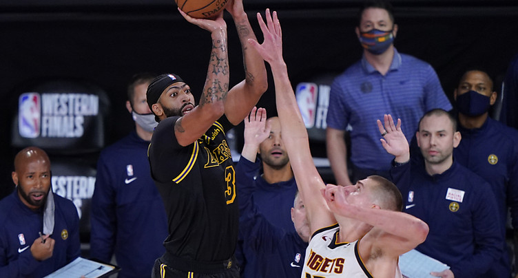 Les Lakers assomment Denver et remercient Davis