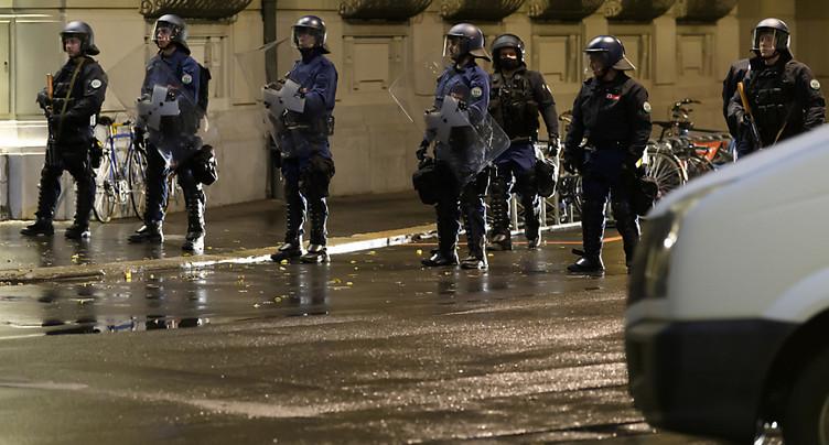 Place fédérale: la police se prépare à évacuer les manifestants