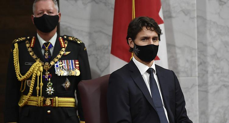 Trudeau promet un million d'emplois et sonne l'alarme