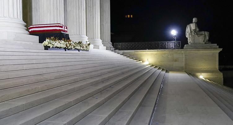 Trump se recueille devant le cercueil de Ruth Bader Ginsburg