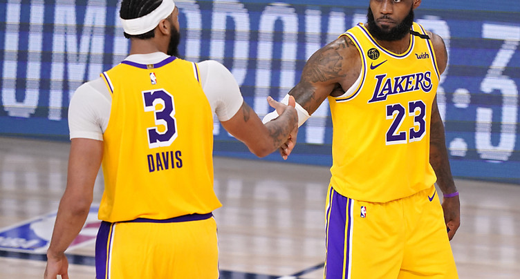 Les Lakers mènent 3-1 contre Denver