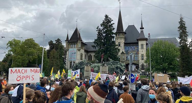 Grève pour le climat: près de 1000 jeunes à Berne