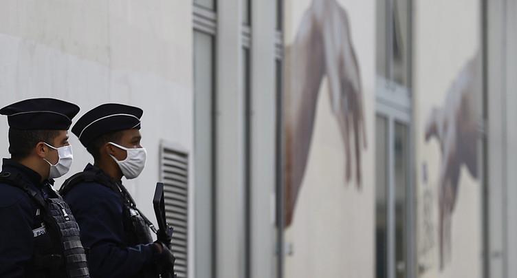 Attaque au hachoir à Paris: le suspect « assume son acte »