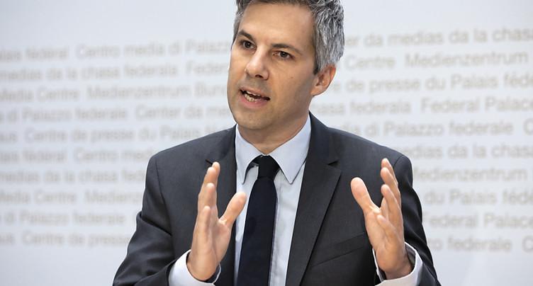Développement positif en Suisse face au Covid-19, estime Salathé