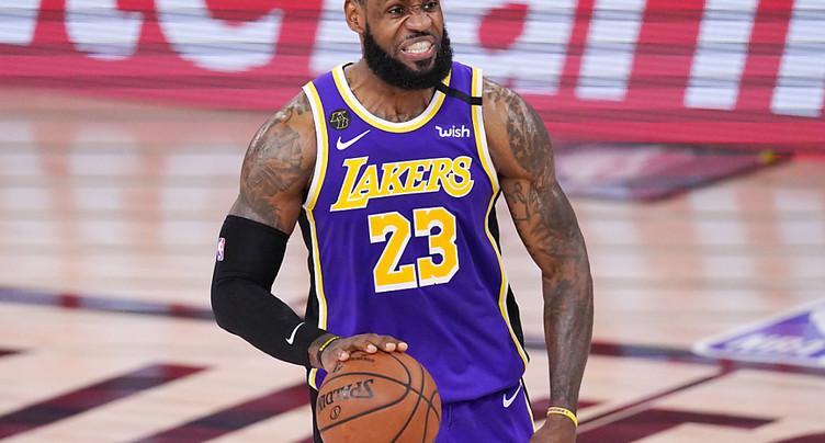 LeBron James envoie les Lakers en finale