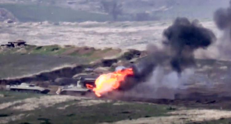 Violents combats entre l'Azerbaïdjan et les séparatistes arméniens