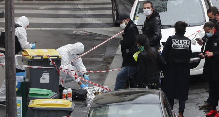 Attaque au hachoir à Paris: neuf gardes à vue en cours
