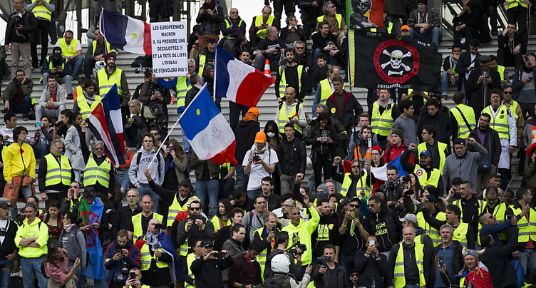 « Acharnement » contre les manifestants: Amnesty accable la France