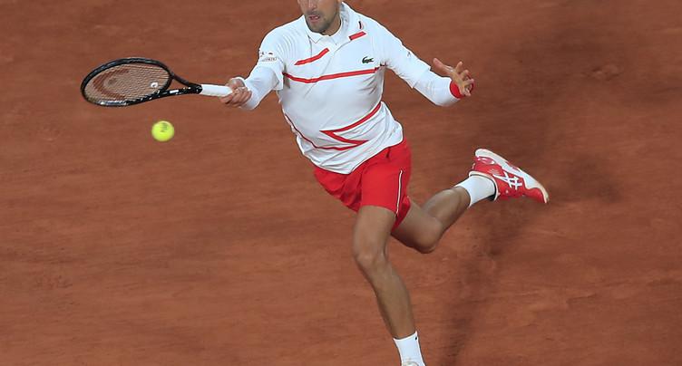 Djokovic laisse cinq jeux à Mikael Ymer