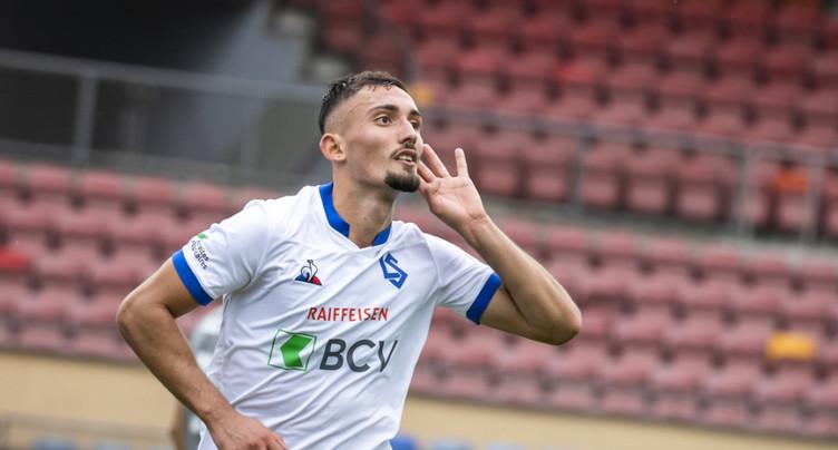 Andi Zeqiri signe en Premier League