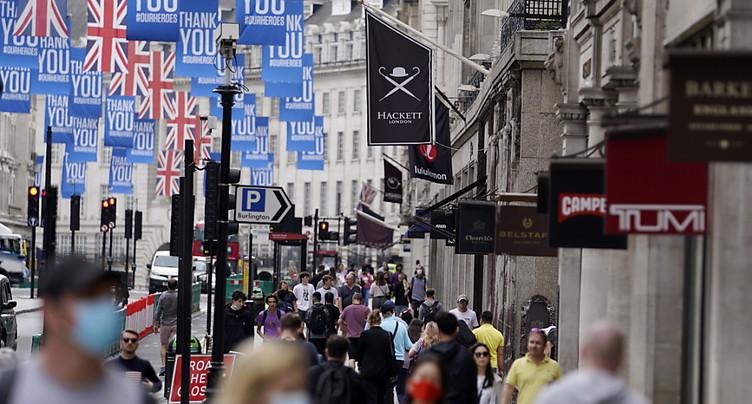 Royaume-Uni: les ventes au détail restent solides en septembre