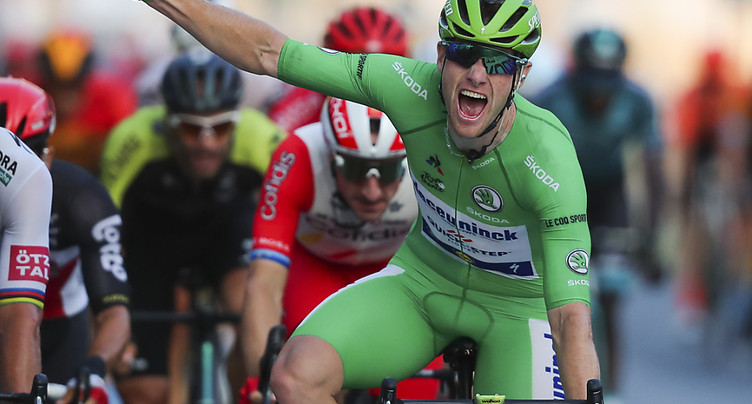 Bennett vainqueur de la 4e étape, Roglic toujours leader