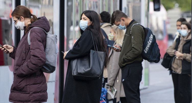 Nouvelles mesures en consultations: masque aussi à l'extérieur
