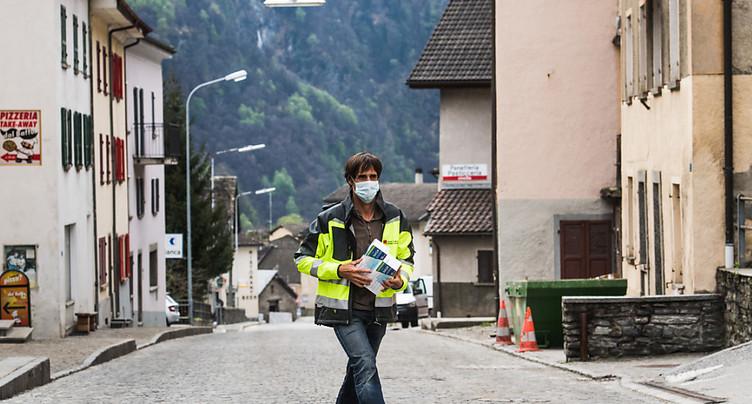 Tessin: port du masque obligatoire aussi à l'extérieur