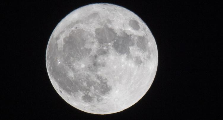 La Lune encore plus riche en eau que prévu
