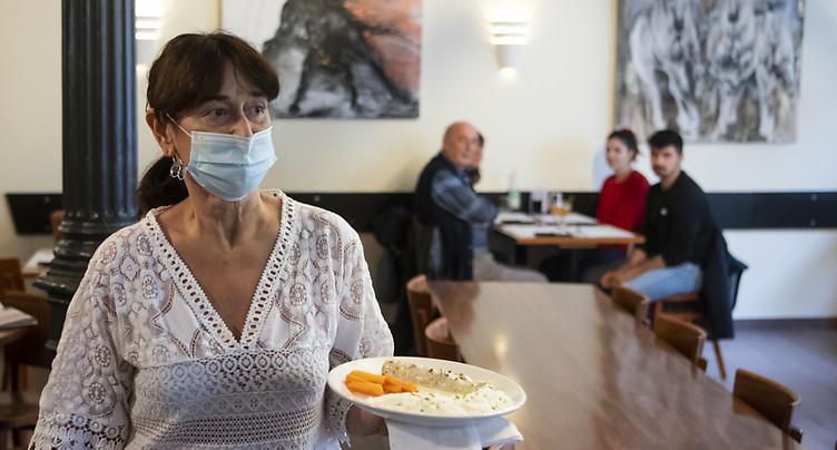Jusqu'à 100'000 emplois menacés dans la restauration (Gastrosuisse)