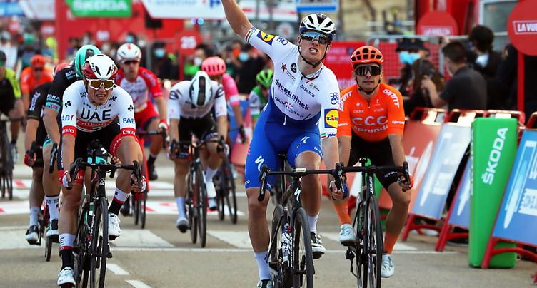 Sam Bennett remporte la 9e étape, Carapaz reste leader