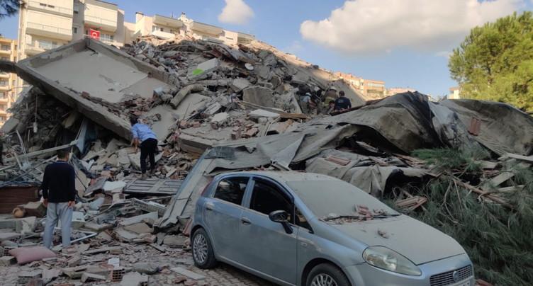 Séisme en Egée: au moins 4 morts, 120 blessés en Turquie