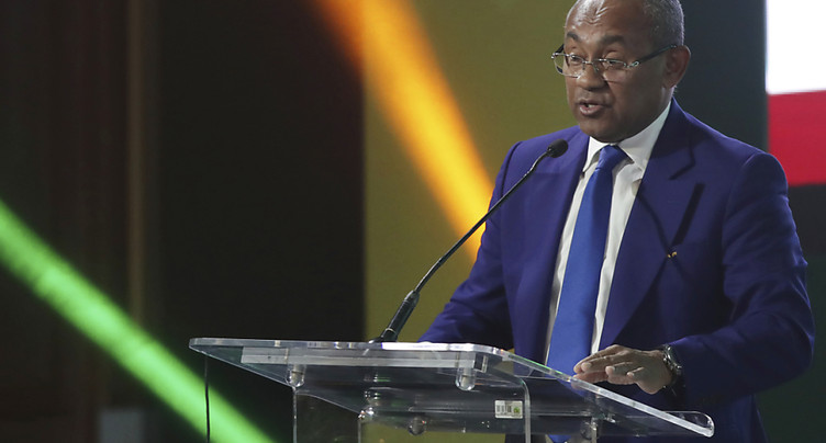 Le président de la Confédération africaine Ahmad Ahmad suspendu