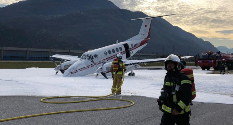 Un petit avion a dû atterrir en urgence à Sion