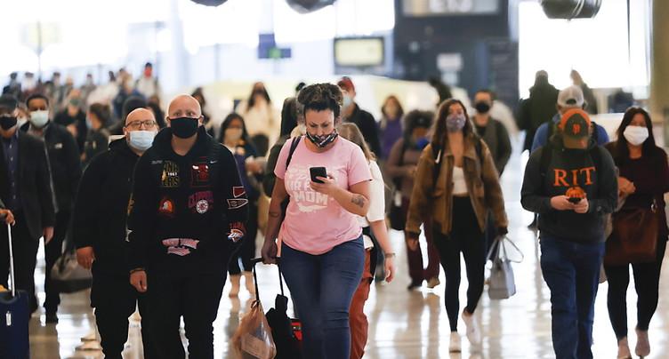 Thanksgiving en présence du virus, restrictions allégées en Europe