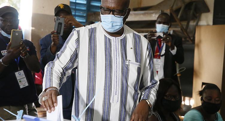 Pas de majorité législative pour le président Kaboré