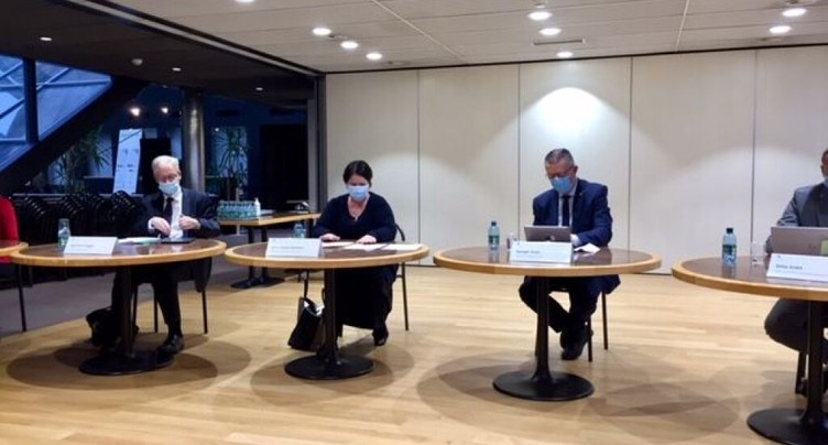 Les Fribourgeois acceptent l'assainissement de la caisse de pension