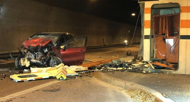 Une automobiliste se tue dans un tunnel de l'A18 à Grellingen (BL)