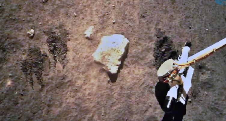 La sonde chinoise en route vers la Terre avec des roches lunaires