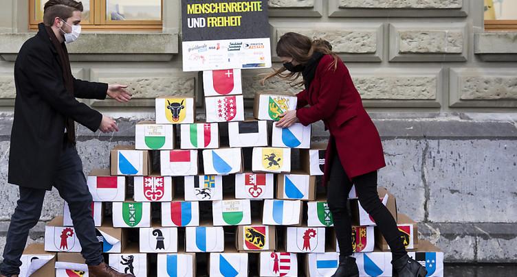 Quelque 142'800 signatures contre la loi sur le terrorisme