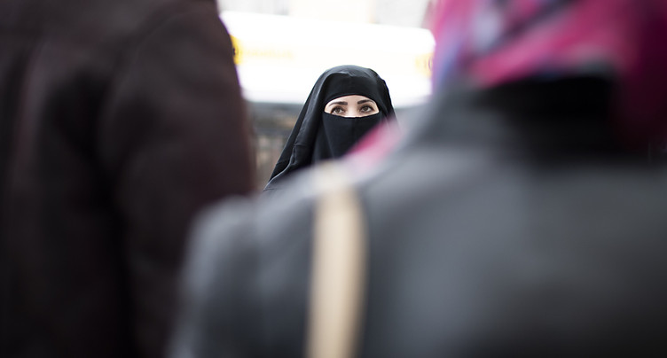 La burqa entrave la liberté et l'égalité, selon un comité de droite