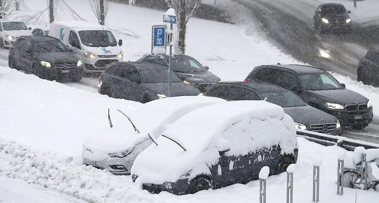 Fortes chutes de neige et risque élevé d'avalanche