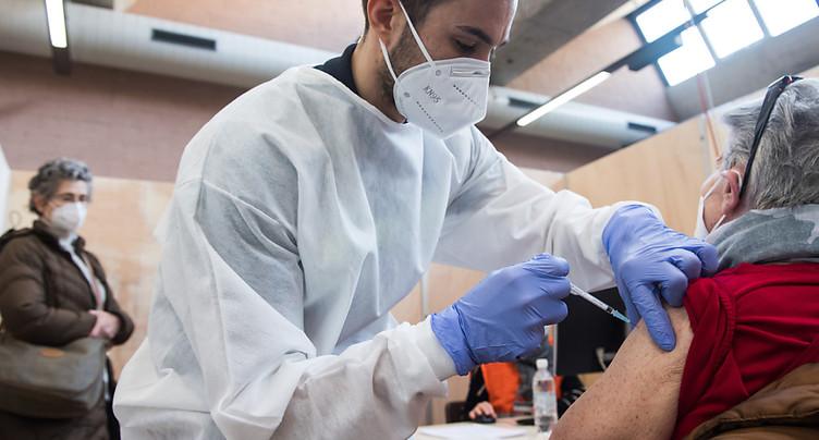 La Suisse compte 2396 nouveaux cas de coronavirus en 24 heures