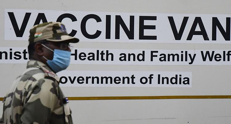 Coup d'envoi de la méga-campagne de vaccination contre le Covid-19