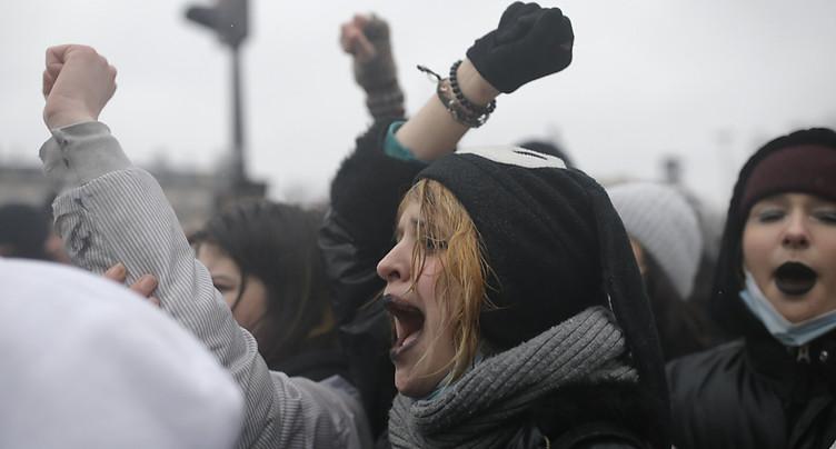 Des milliers de manifestants contre la loi « sécurité globale »