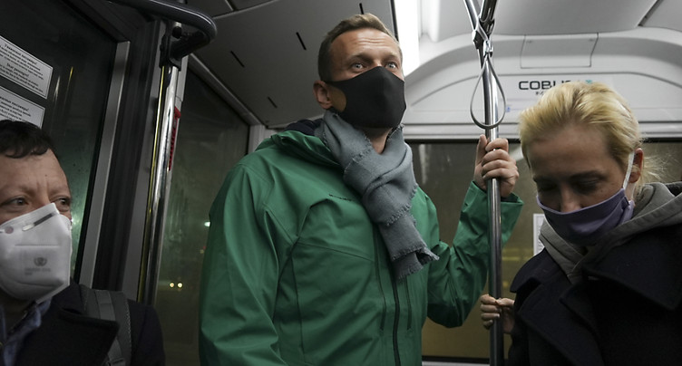 L'opposant Navalny interpellé par la police à l'aéroport de Moscou