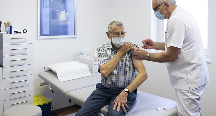 Pro Senectute encourage les seniors dès 50 ans à se faire vacciner