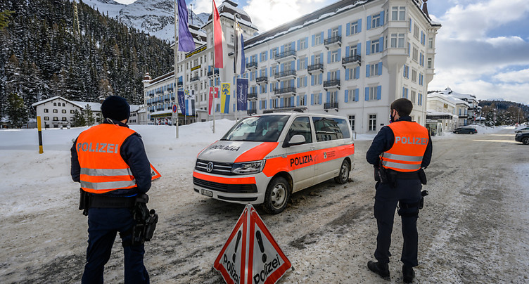 St-Moritz (GR): 1% de personnes positives lors des tests massifs