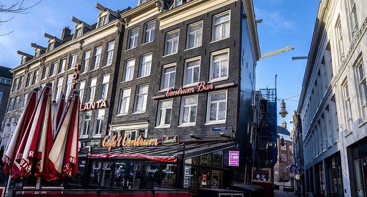 Covid-19: le couvre-feu entre en vigueur aux Pays-Bas