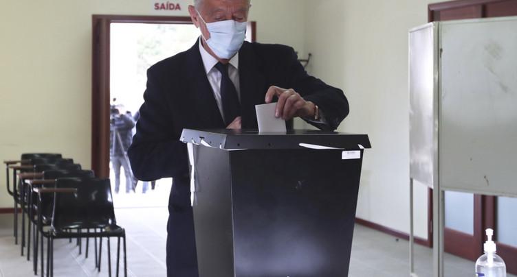 Le président portugais sortant serait réélu au premier tour