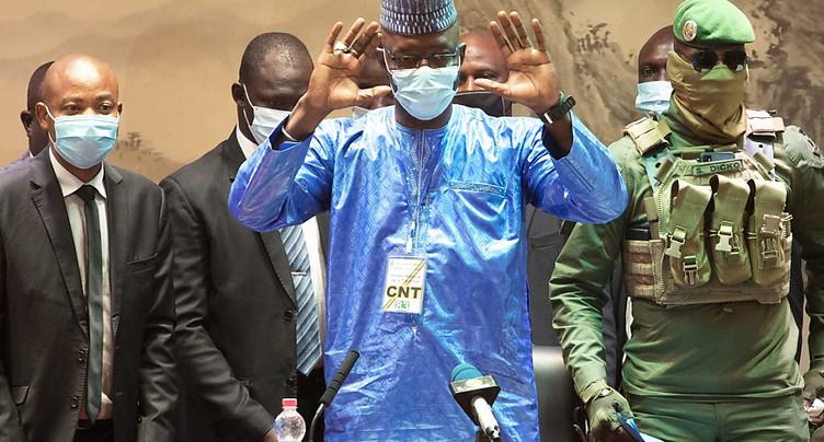 La junte officiellement dissoute cinq mois après le putsch au Mali