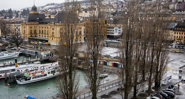 Plantation de 20 nouveaux peupliers à la Place du port à Neuchâtel