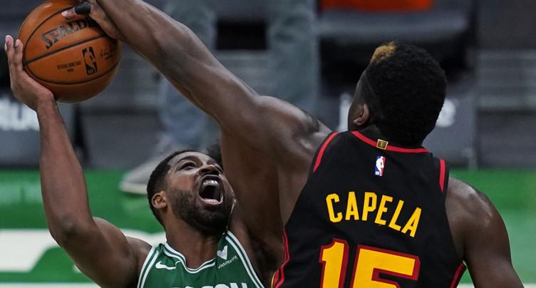 Les Hawks s'imposent à Boston