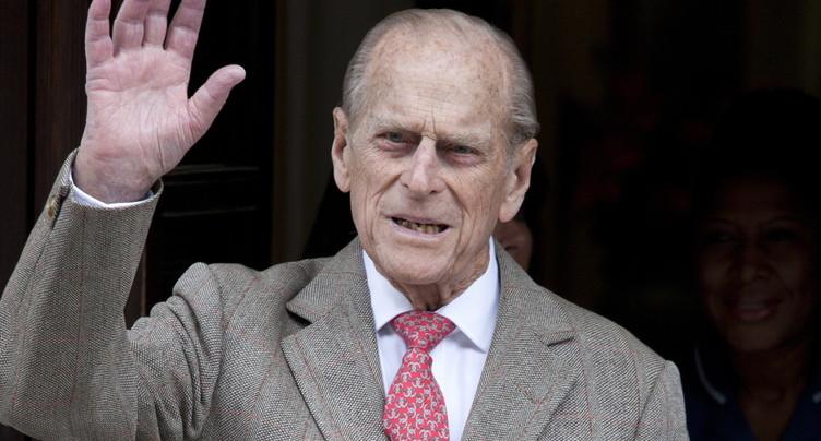 Le prince Philip, époux de la reine, hospitalisé pour une infection