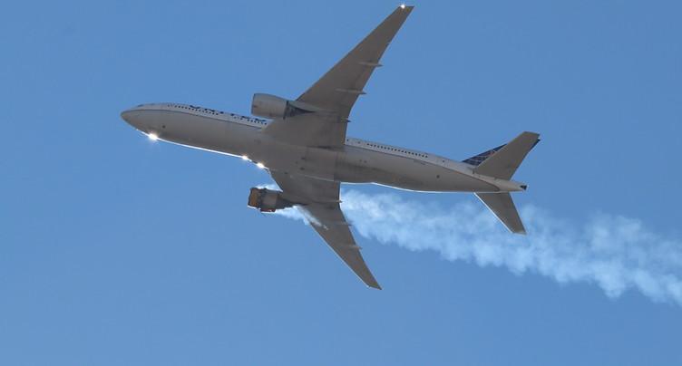 Atterrissage d'urgence d'un Boeing 777 après un problème de moteur